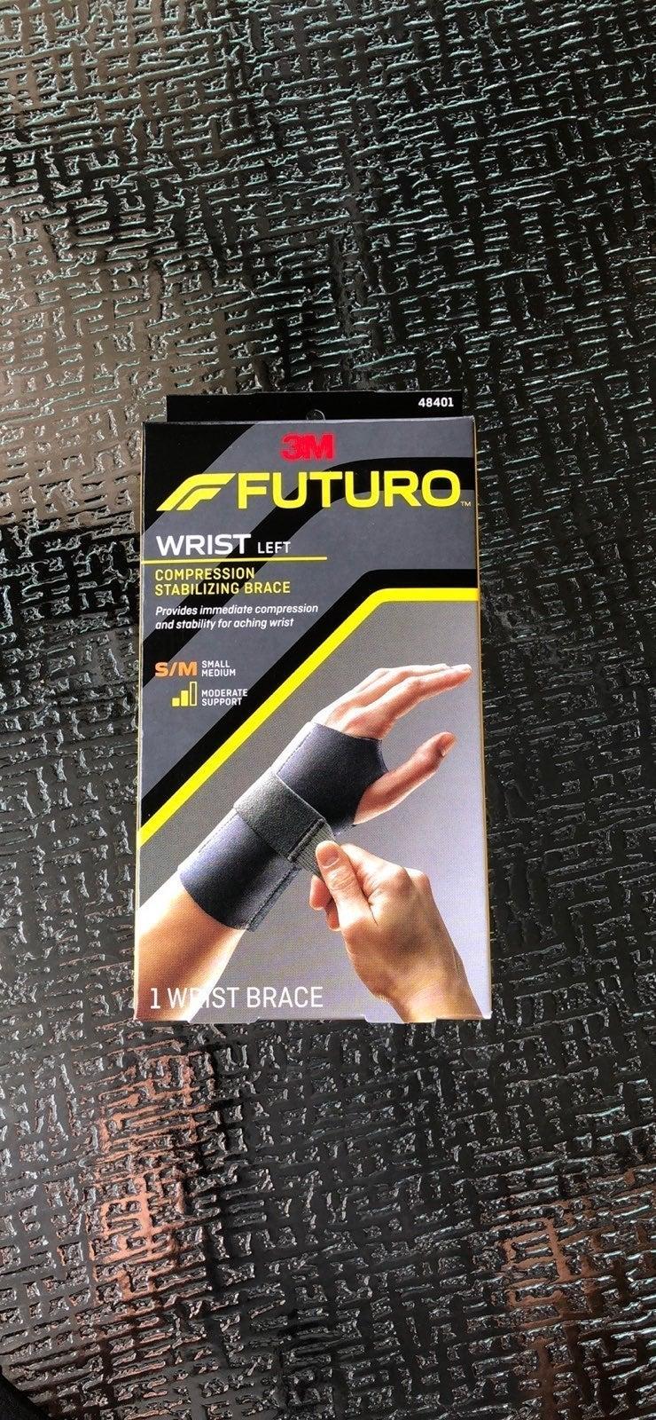3M FUTURO WRIST LEFT COMPRESSION STABILI