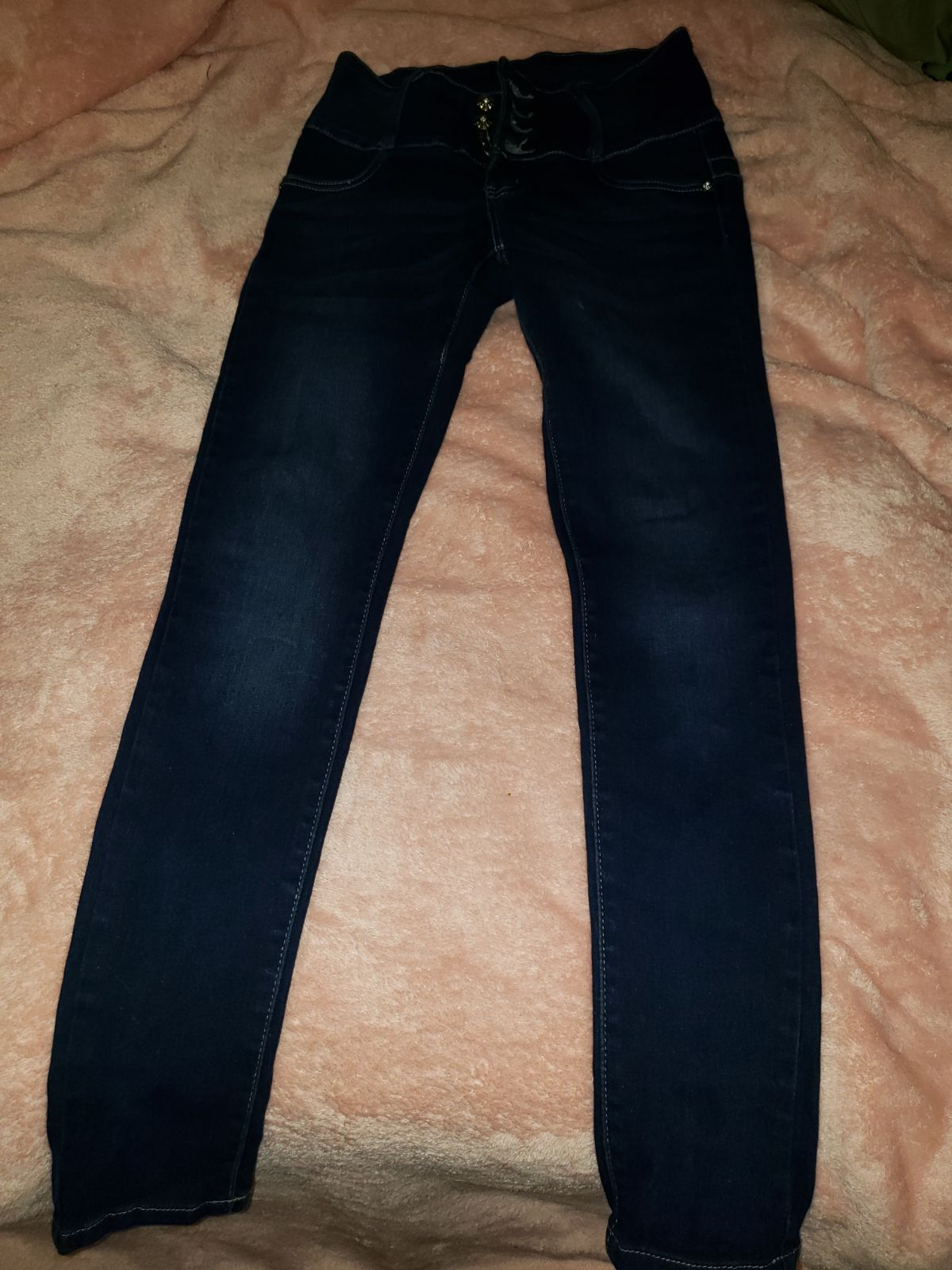 Size 1 Bella skinny jeans