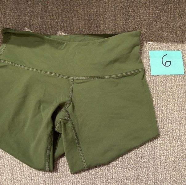 NWOT RARE green crop low rise lululemon