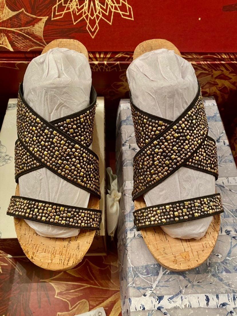 sandals size 8