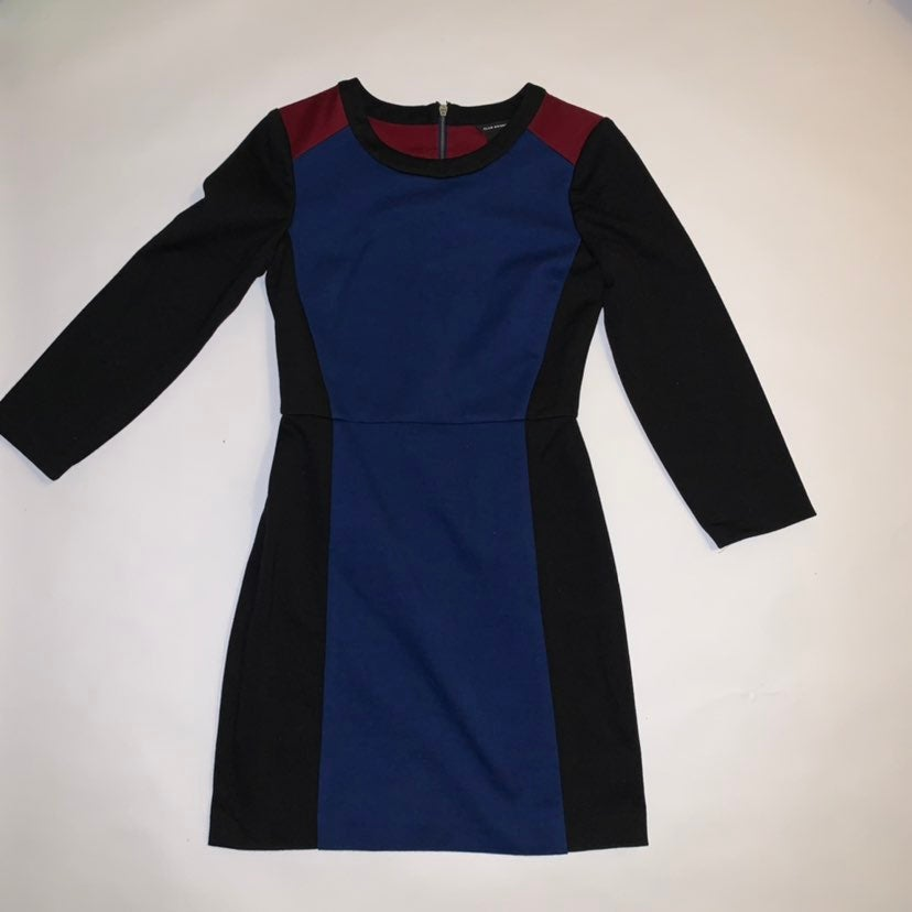 Dress 00 club monaco red blue black