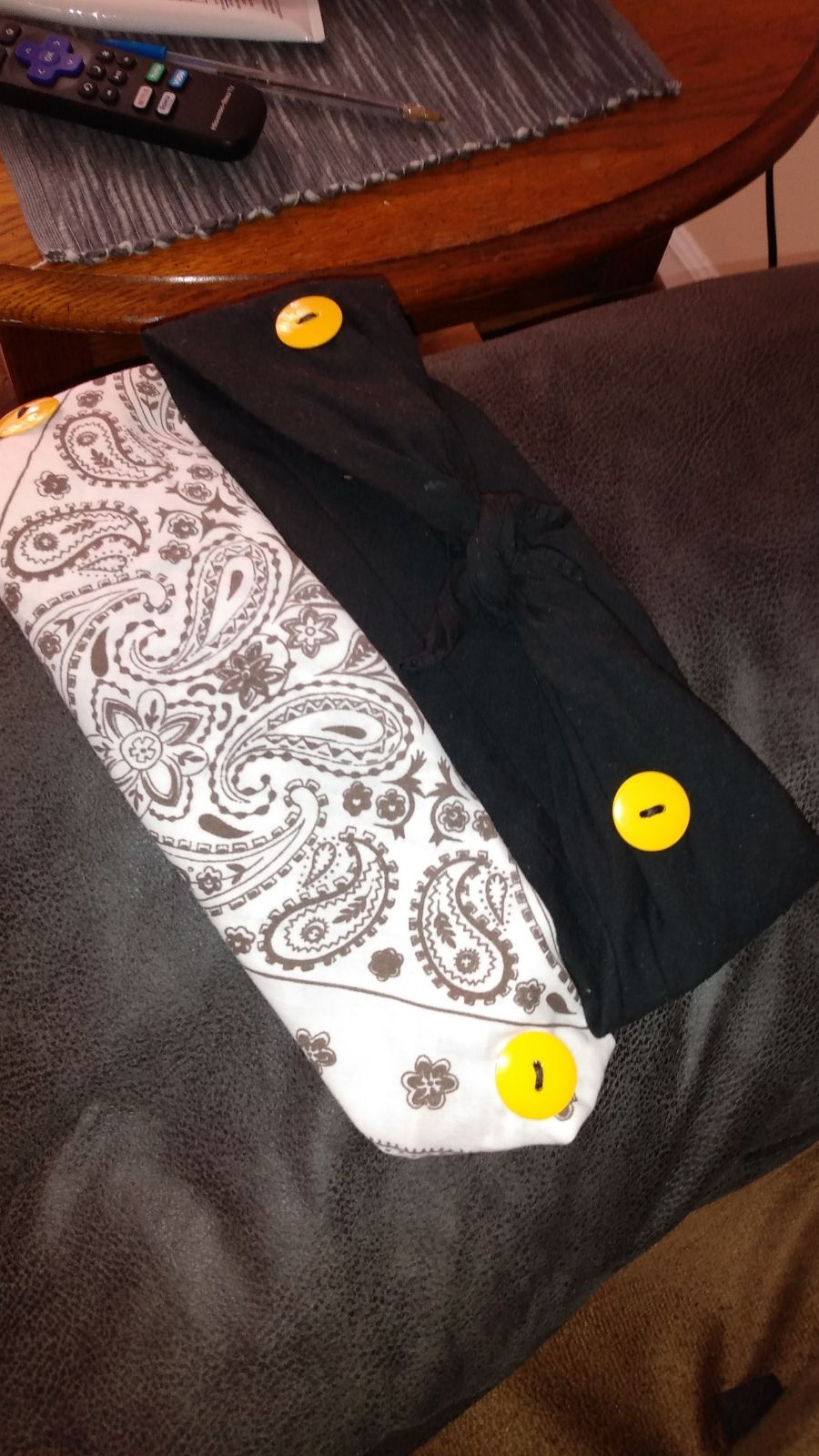 Mask with button Fasteners and velcro fo