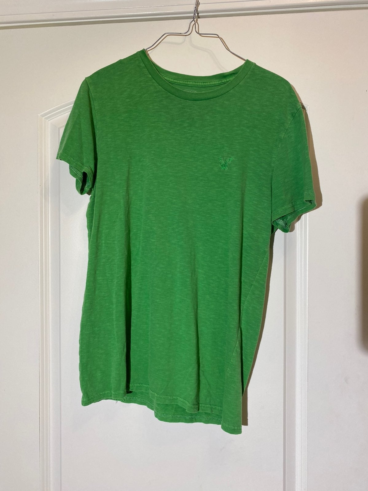 Mens American Eagle green shirt