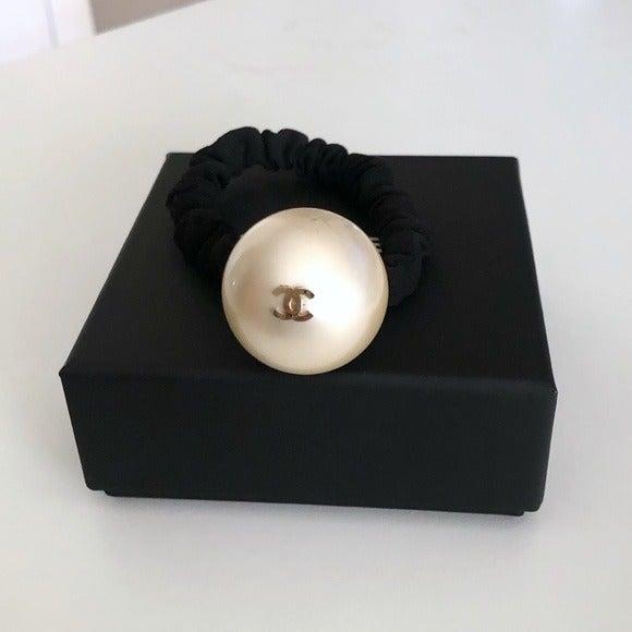 $540 CHANEL Gold Logo Pearl Hair Tie