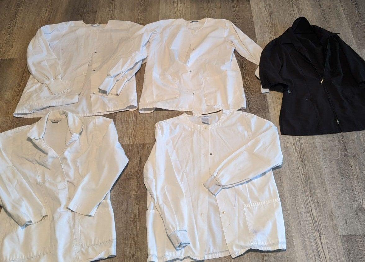 Bundle 5 xs white lab coats scrub jacket