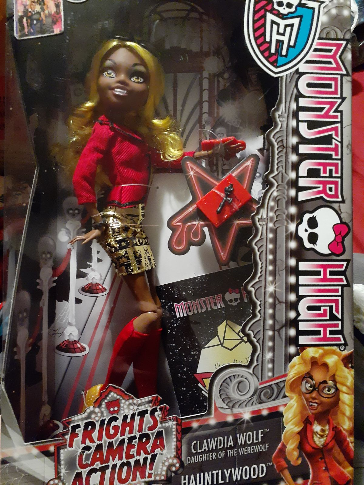 Monster High Clawdia Wolf Frights Camera