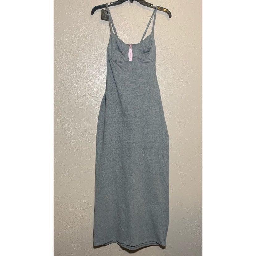 VS gray wired body flex maxi dress