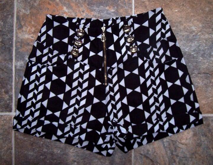 Black/White print dress shorts sz s/m