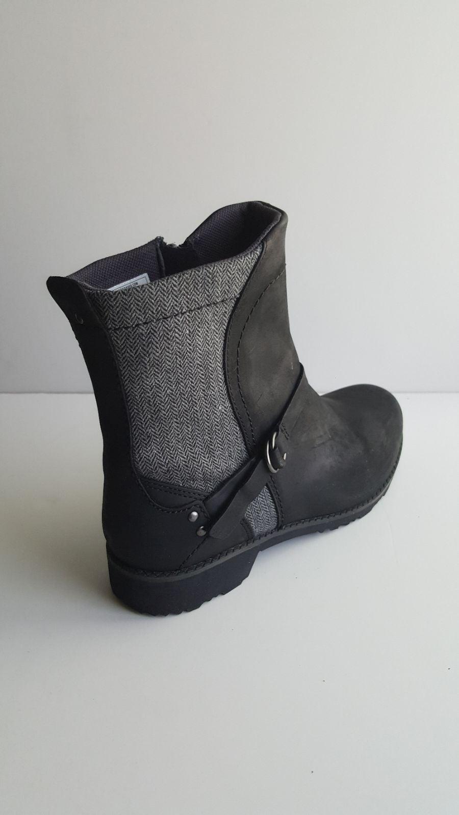 Boots EDDIE BAUER size 9