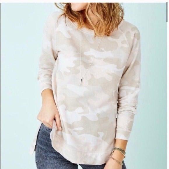 Stella & Dot Camo side zip sweatshirt sm