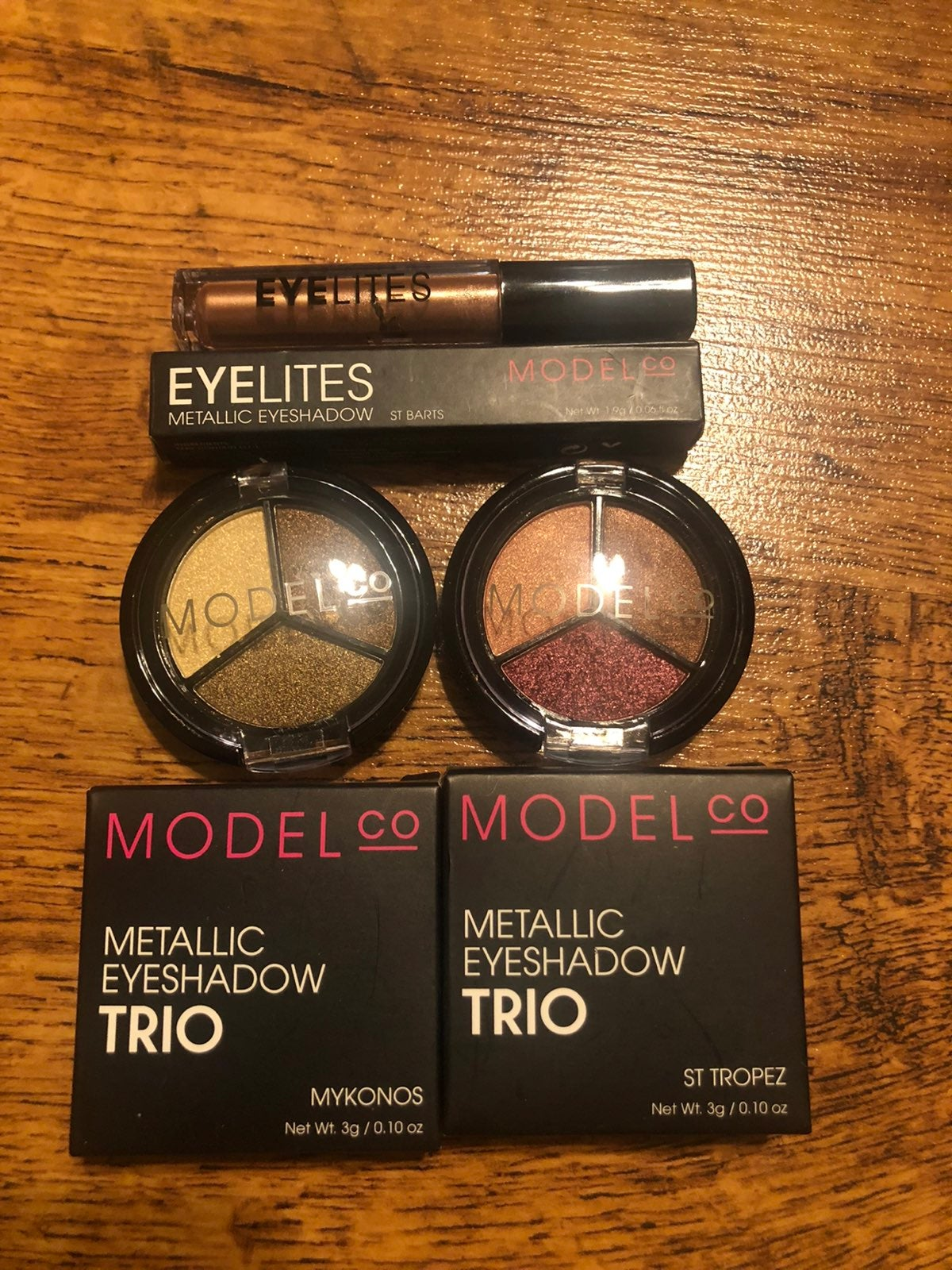 Model Co Eyeshadow bundke(New)