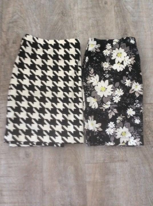 2 women's skirts