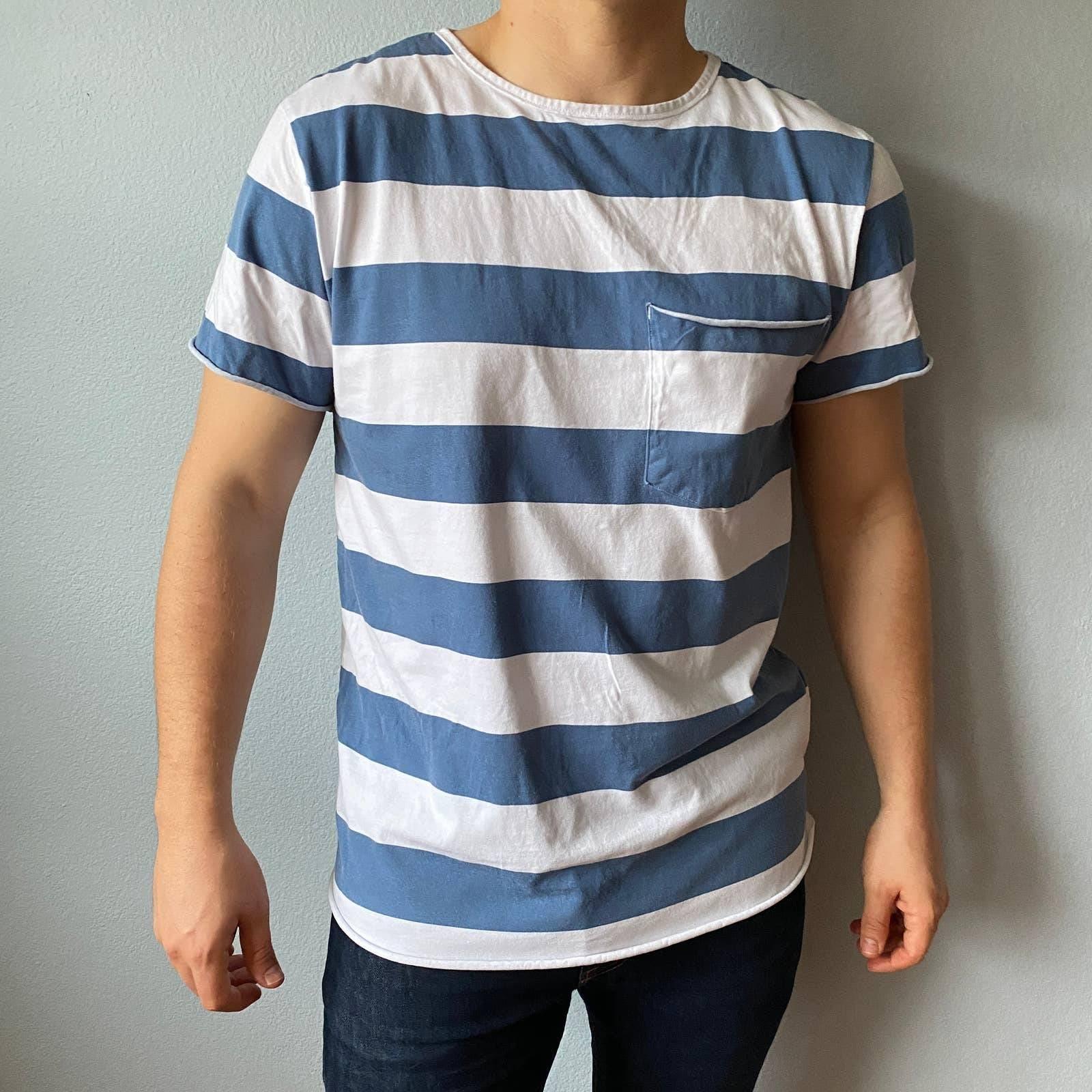 Divided Men's Stripe Pocket Tee   Medium