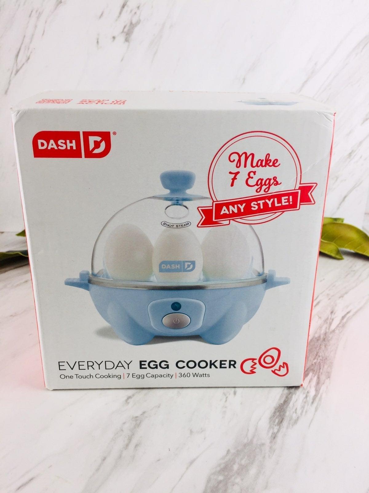 New Dash Deluxe 7 Egg Cooker