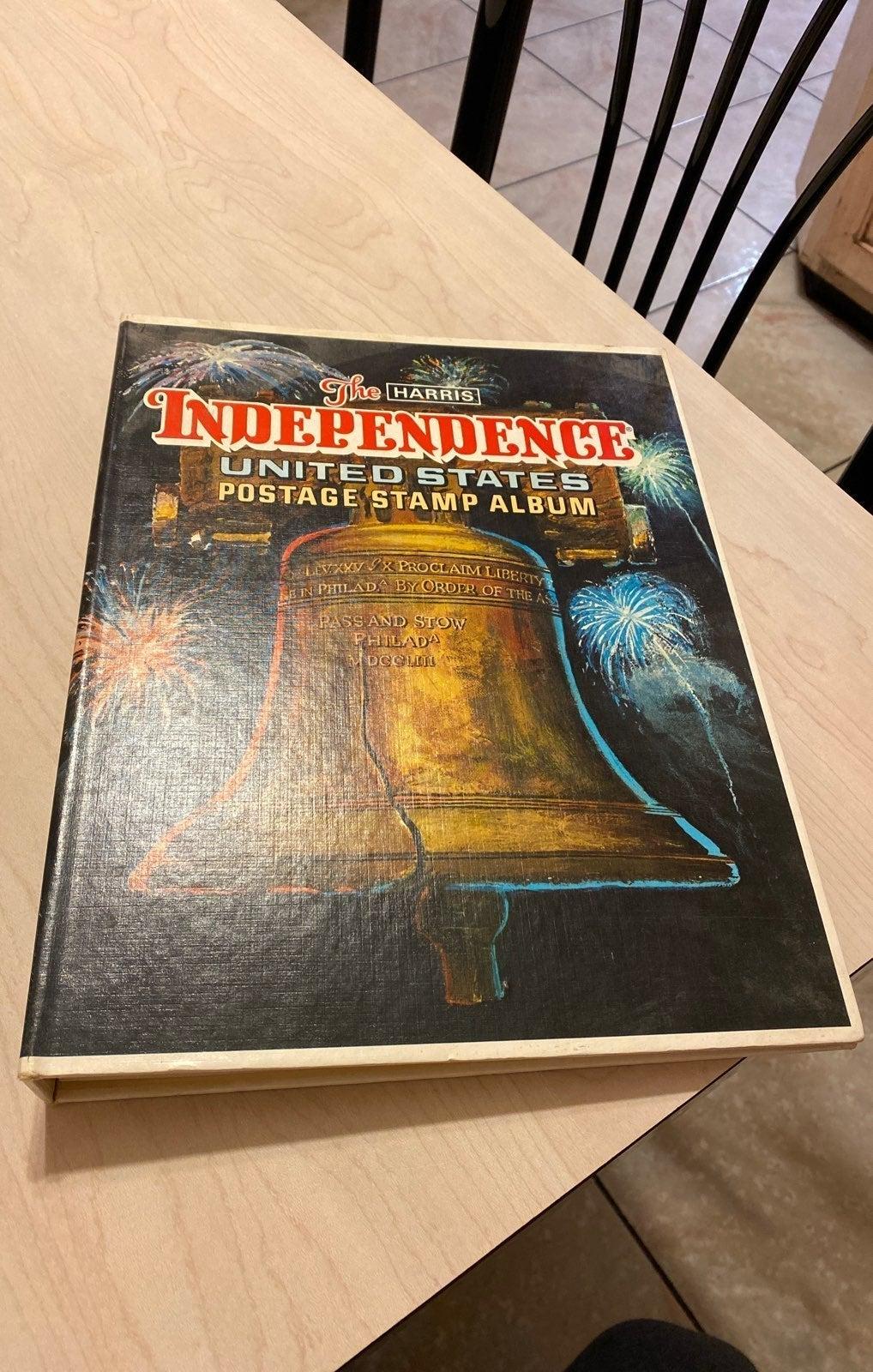 Independance U.S. Postage Stamp Album