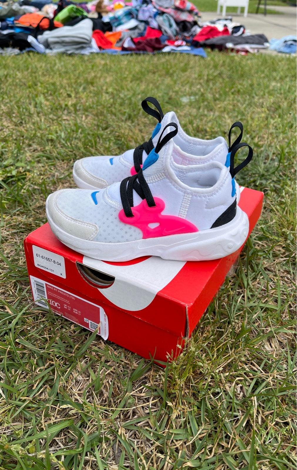 Nike girls size 10C