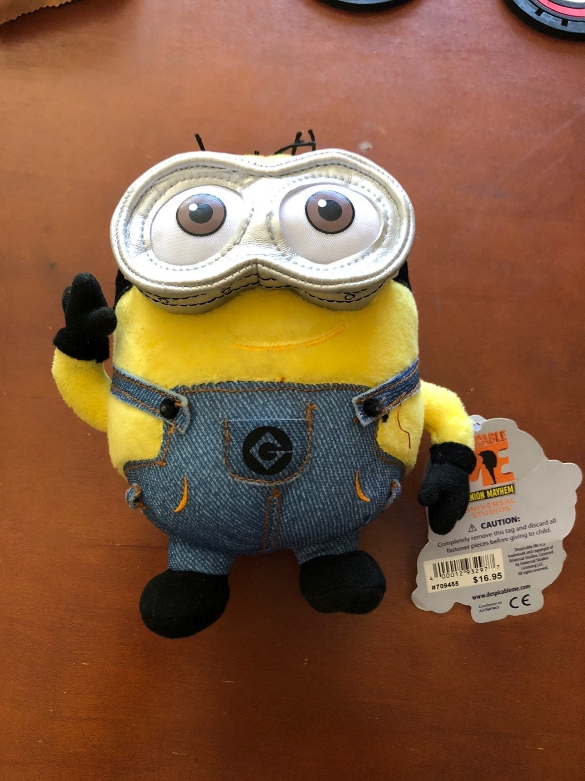 """Despicable. NEW 7"""""""
