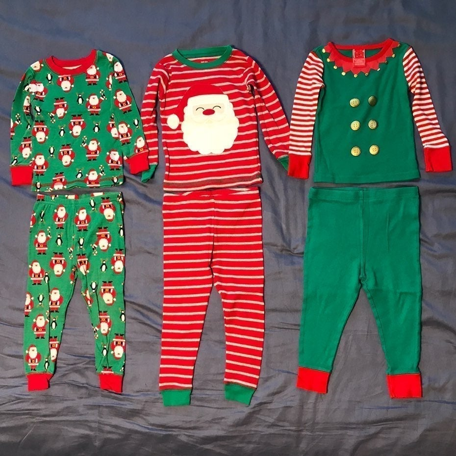 Christmas Santa Pajamas PJs bundle 2T