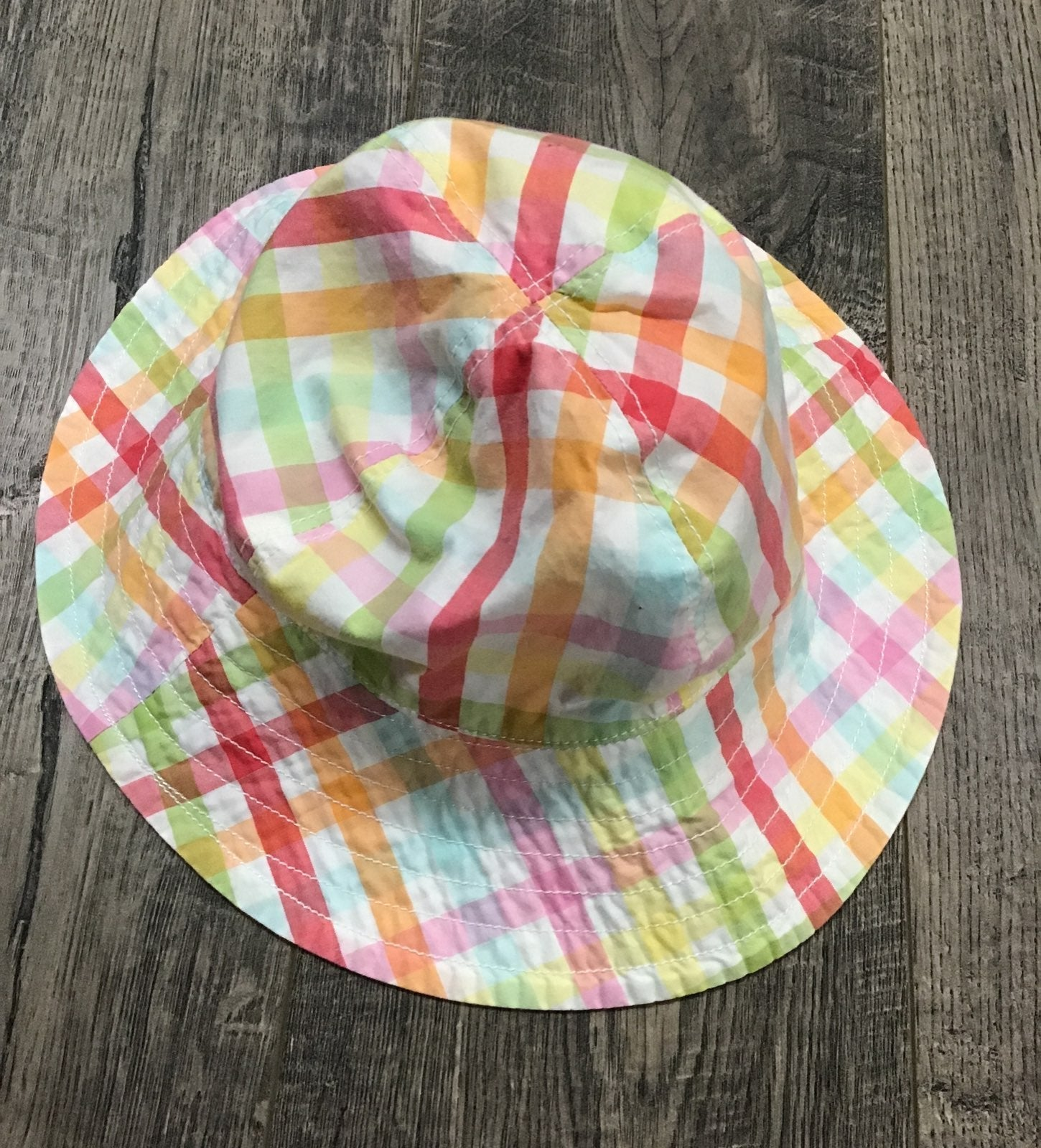 Gingham rainbow bucket hat for kids