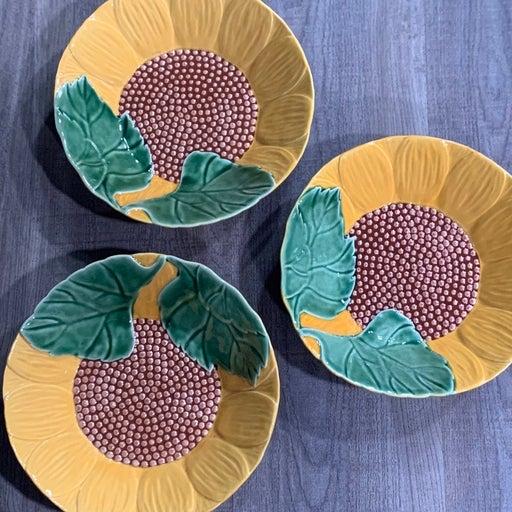 Bordallo Pinheiro sunflower salad bowls