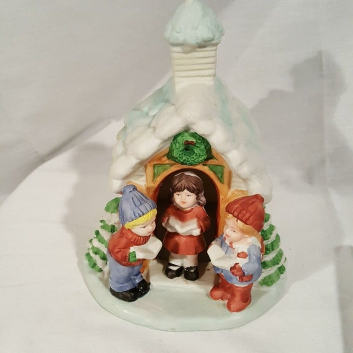 Vintage Christmas Caroler Light Up House