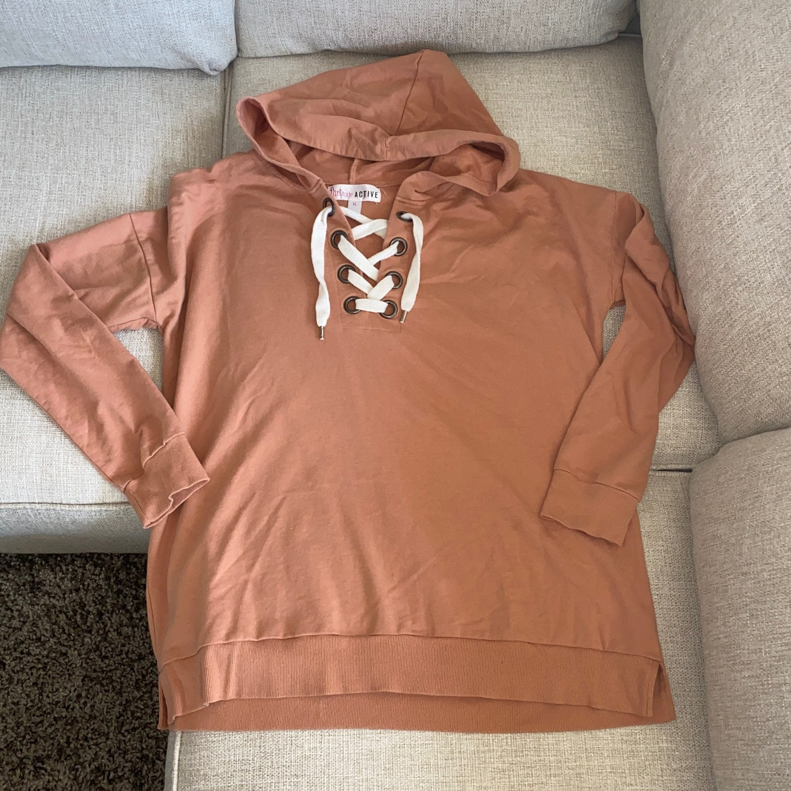 NWOT Woman's hoodie XL