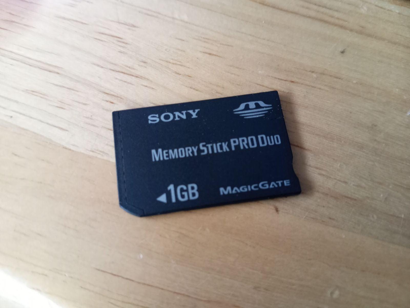 1gb memory stick pro duo PSP