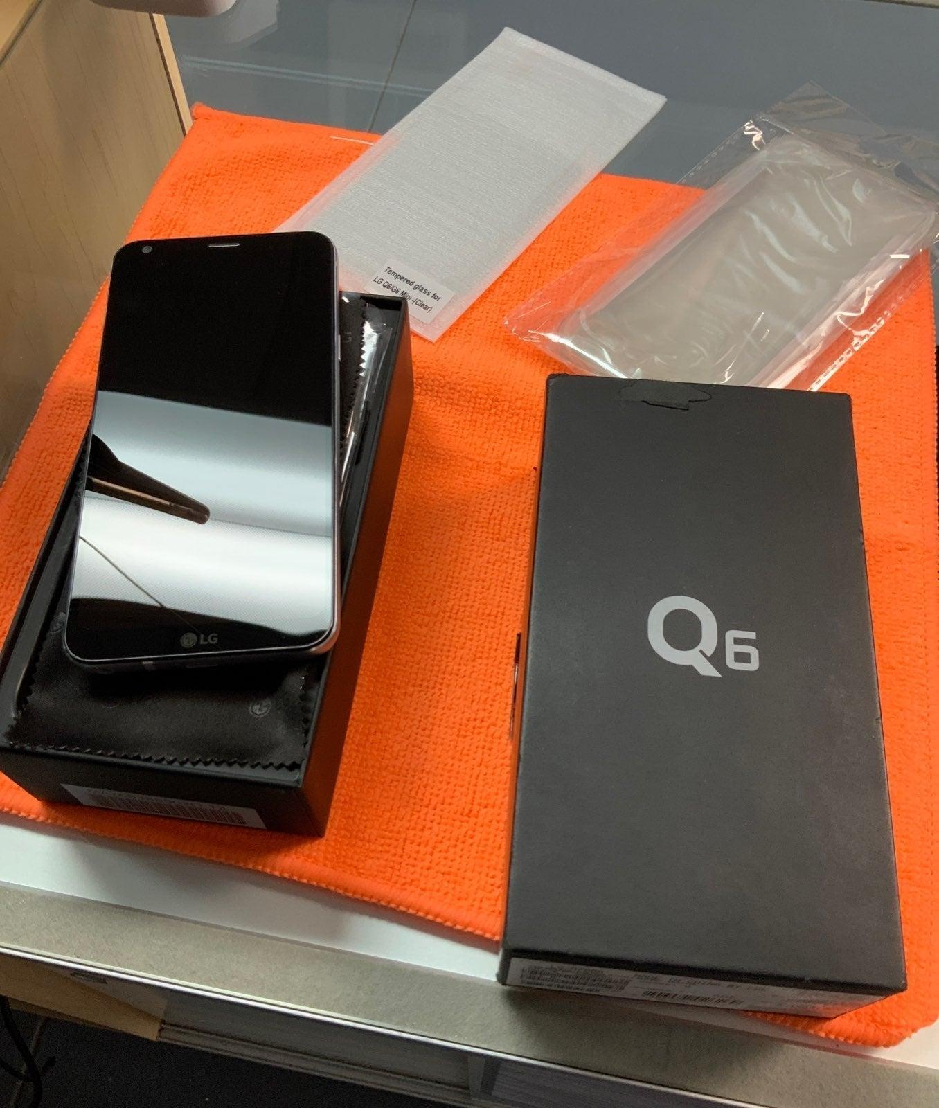 LG Q6 Dual SIM GSM Unlocked Bundle