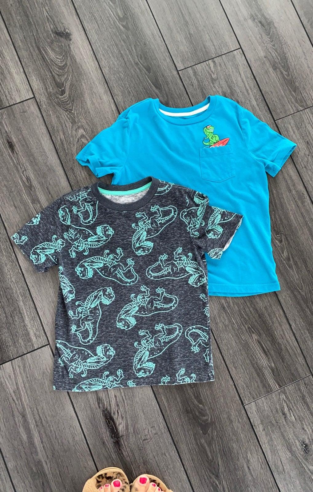 Size 4/5 Boys Dinosaur t-shirts