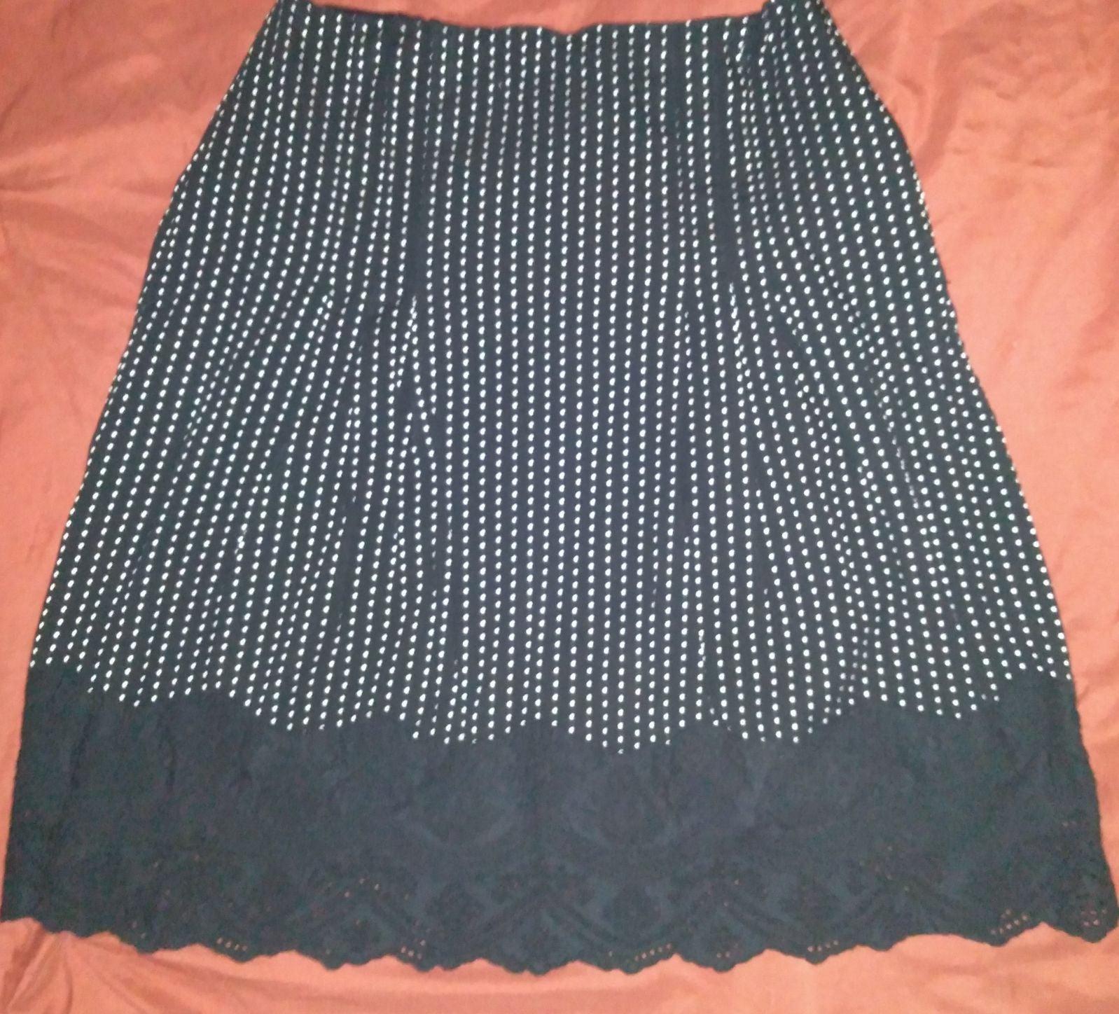 Black and white polka dot skirt size siz