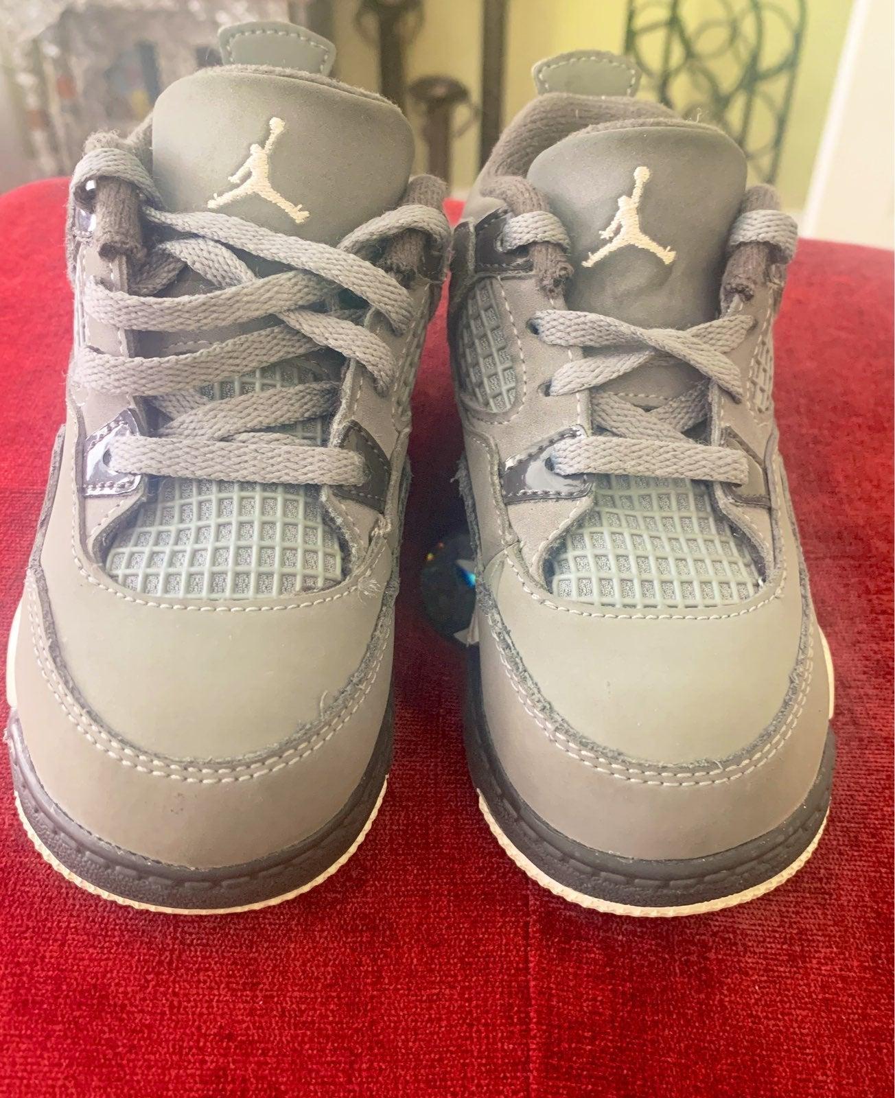 Air Jordan 4 Cool Gray size 8c
