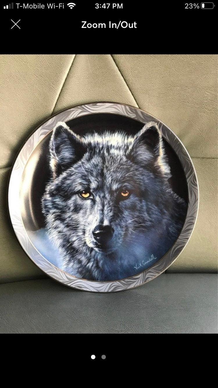 Bradford Exchange Wolves Collectors Plat