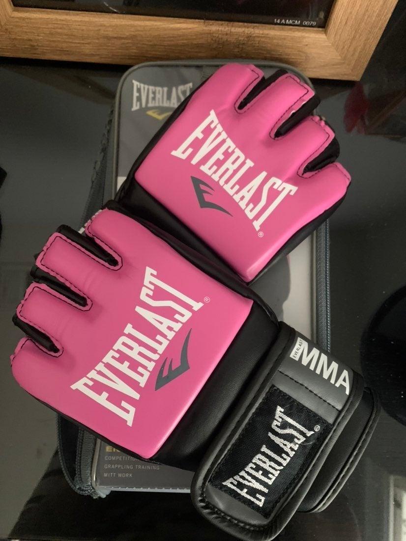 Everlast MMA sparring gloves