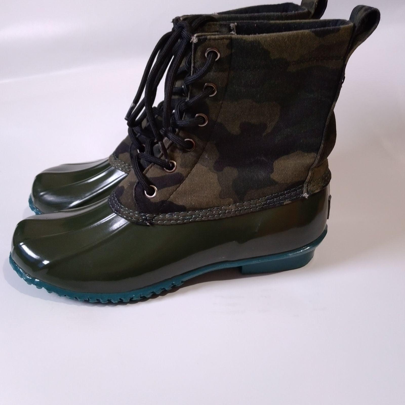 Bass harlequin womens duck boots size 8M