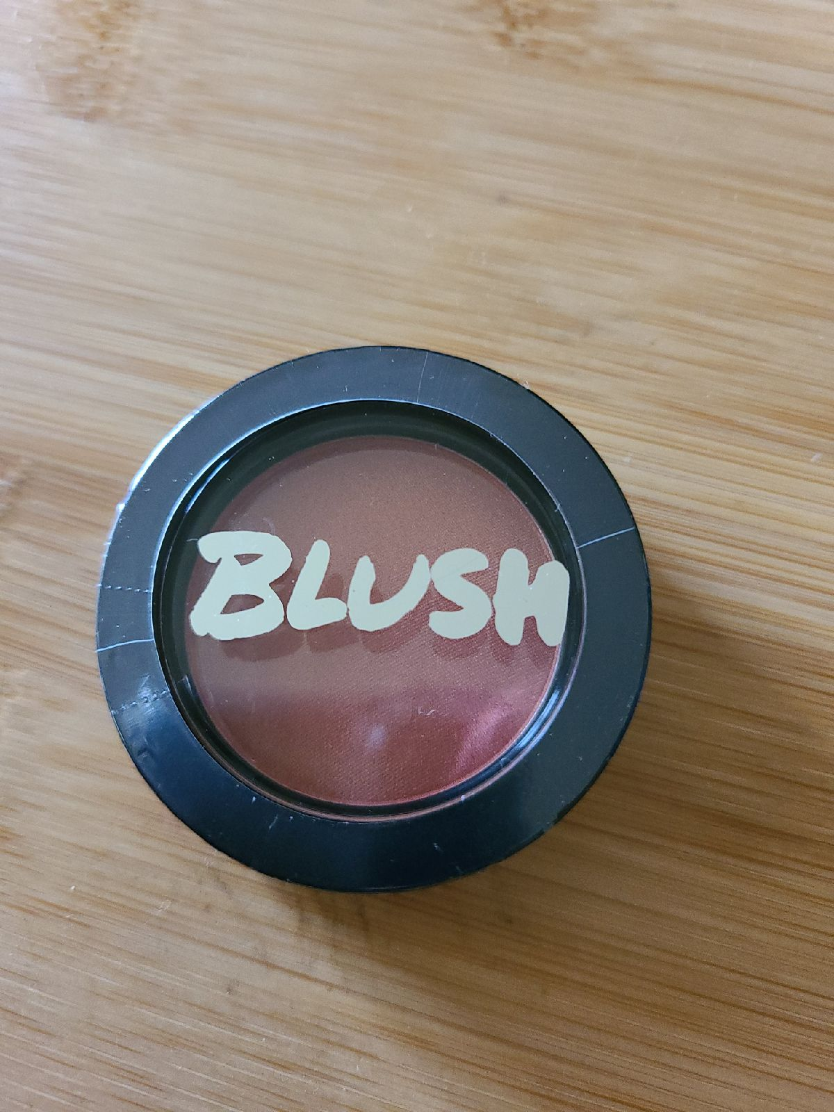 Model co blush - peach bellini 02