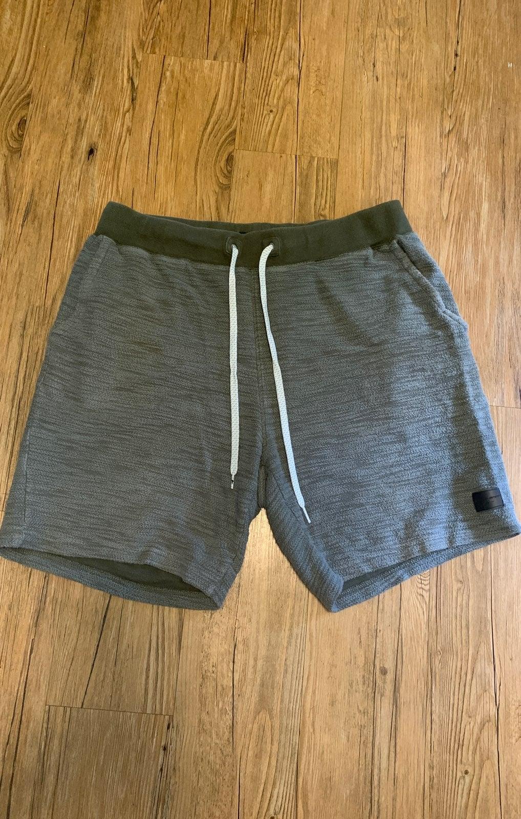 sweat shorts / slides bundle