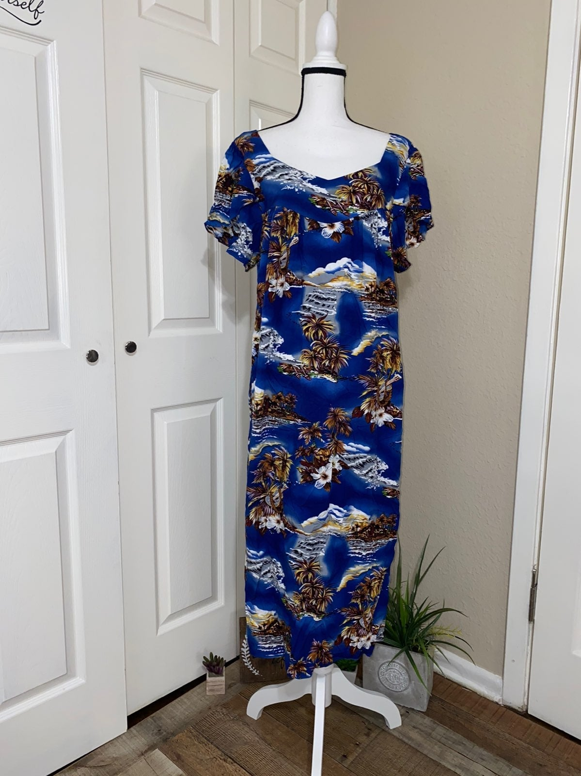 Hilo Hattie Hawaiian Maxi Sundress