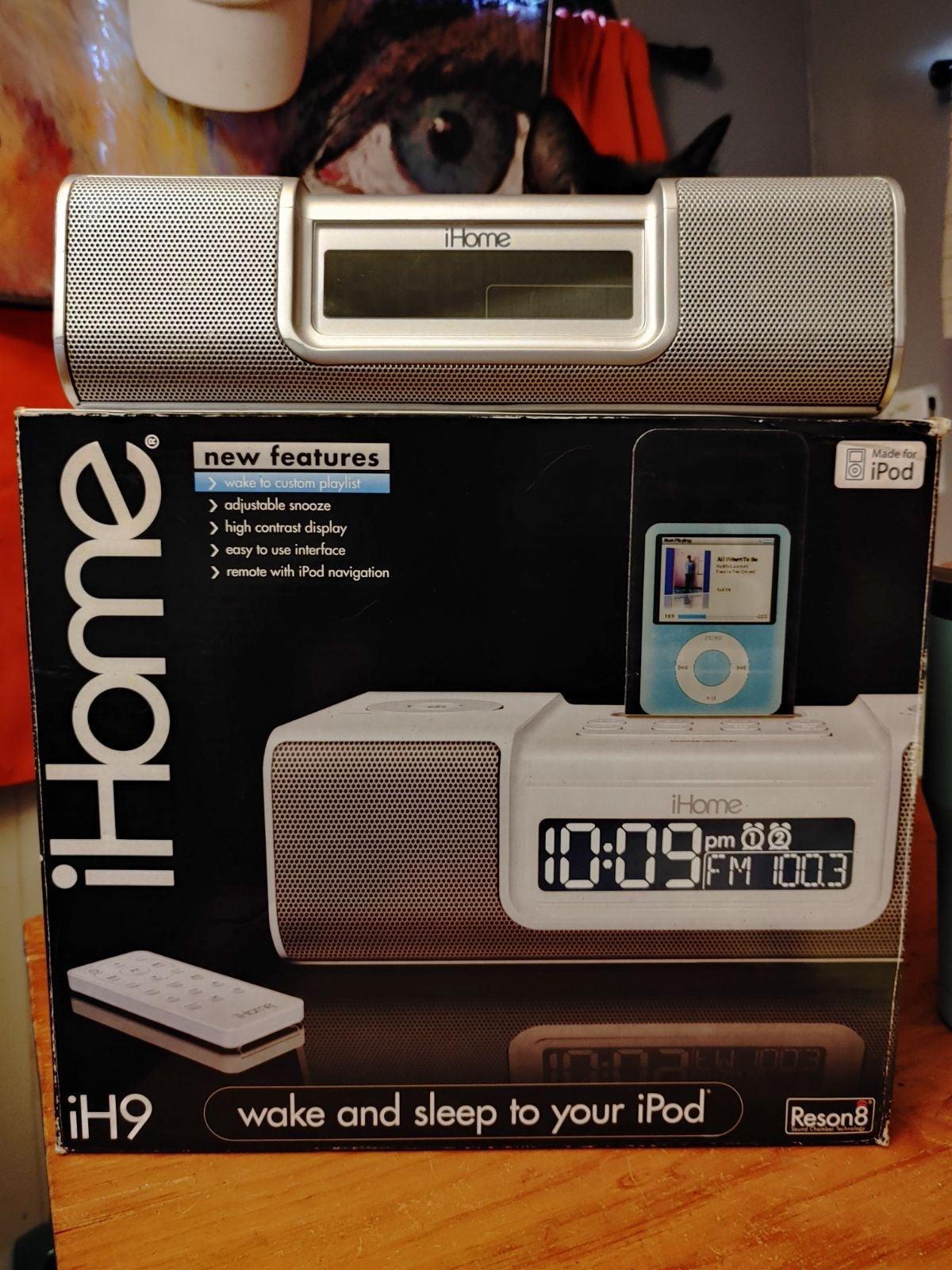 IHome iH9 clock radio & audio system for