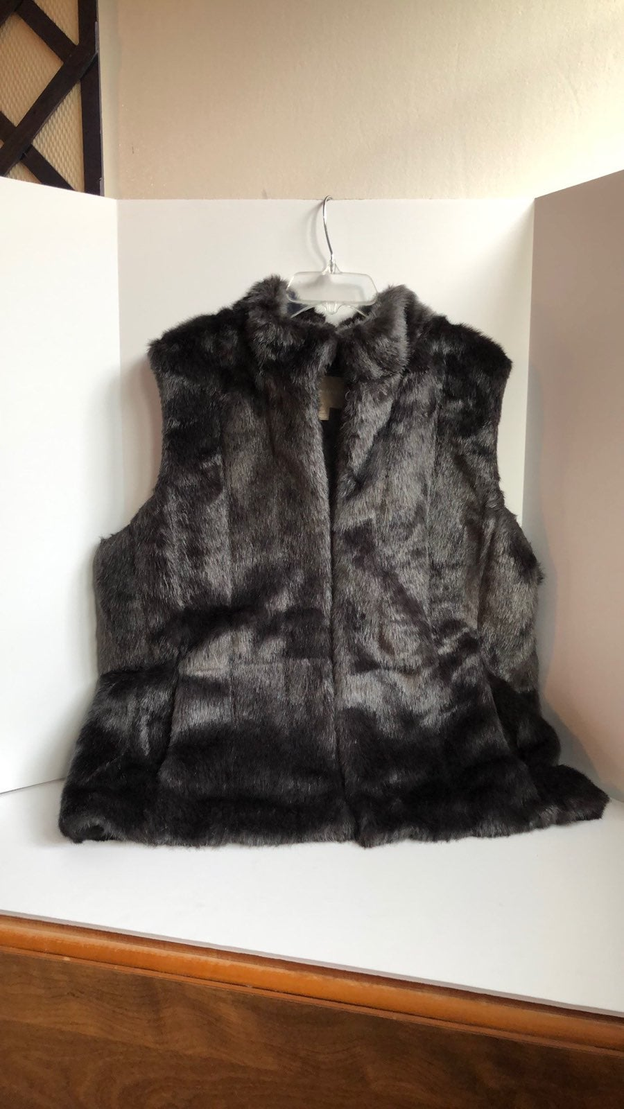 Banana Republic faux fur lined vest size