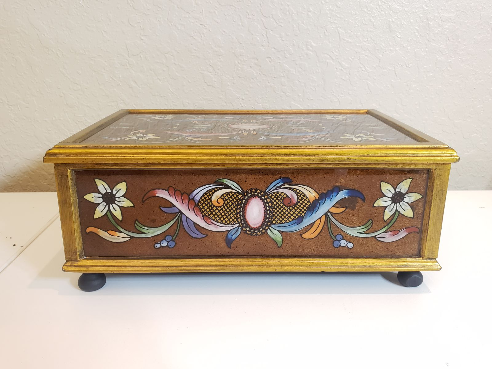 Wooden jewerly box (art by hand)30x20x12