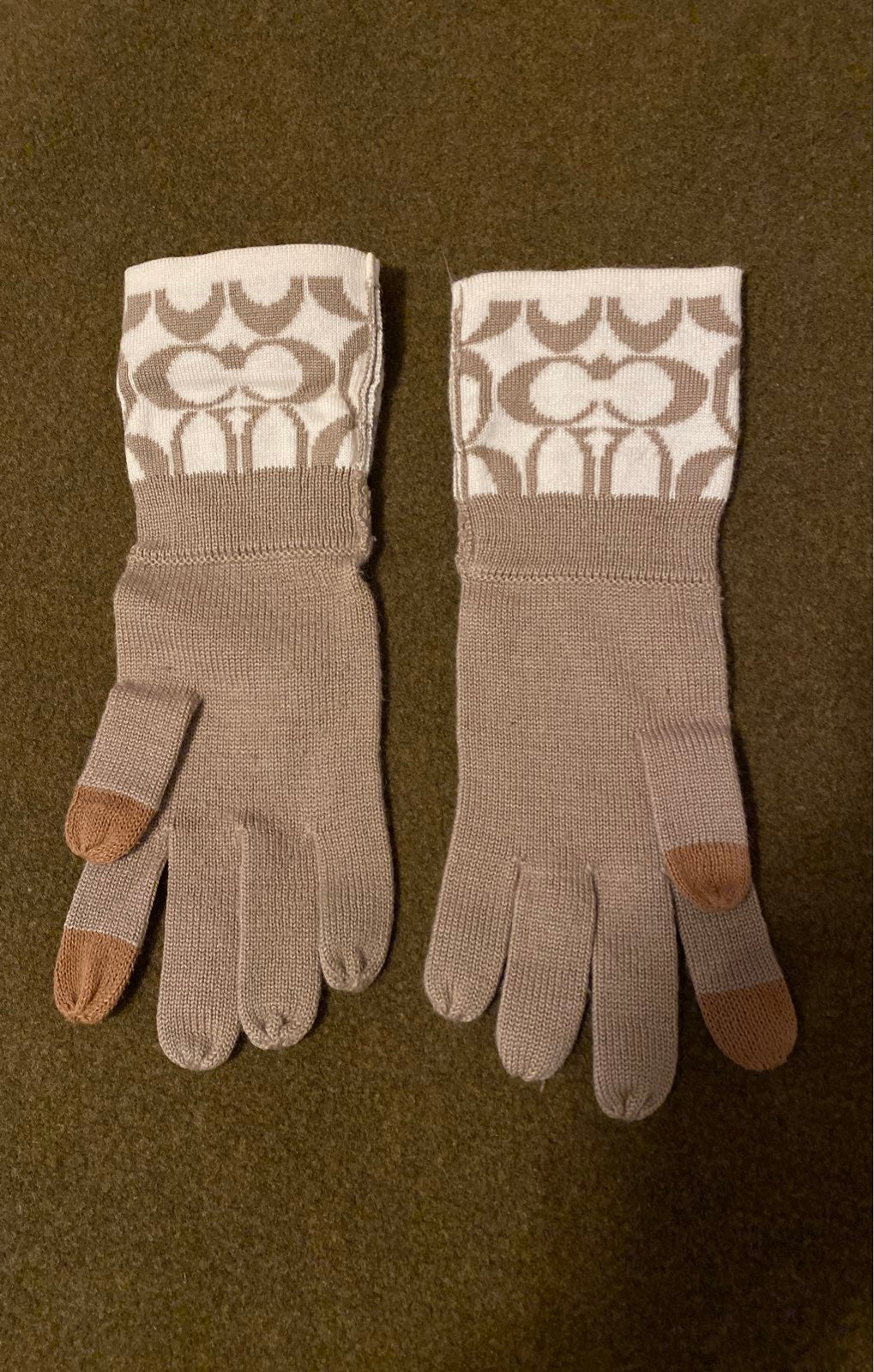Coach knit Gloves one size