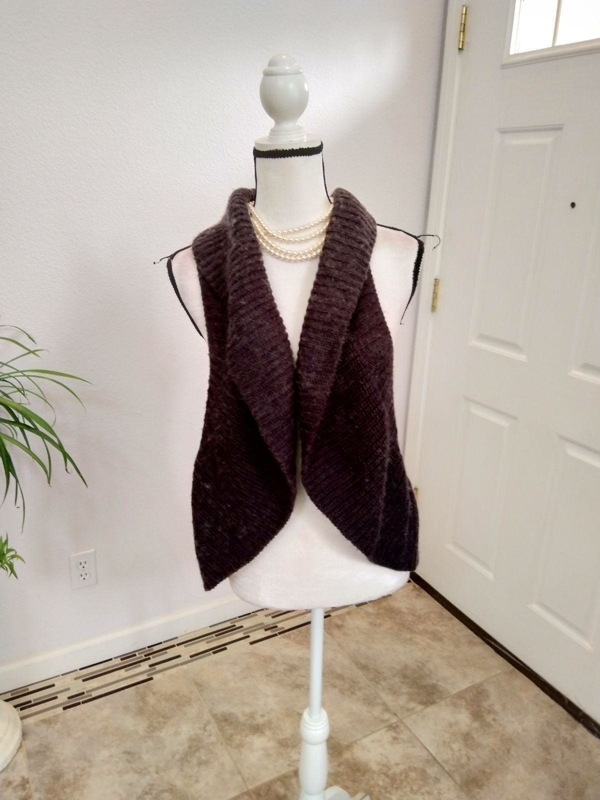 Willow & Clay knitted vest size small