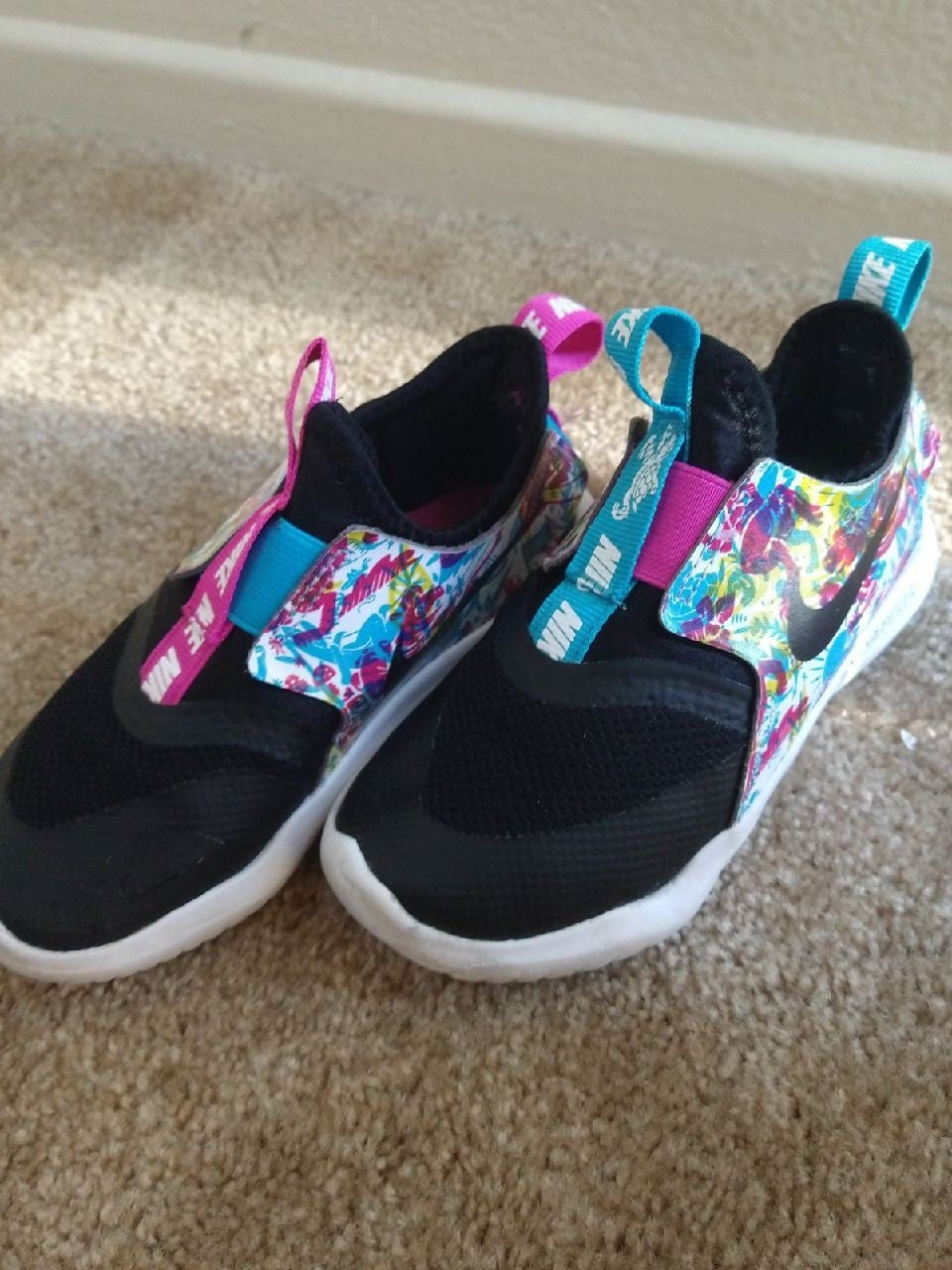 Nike sz 10 toddler girls flex runner