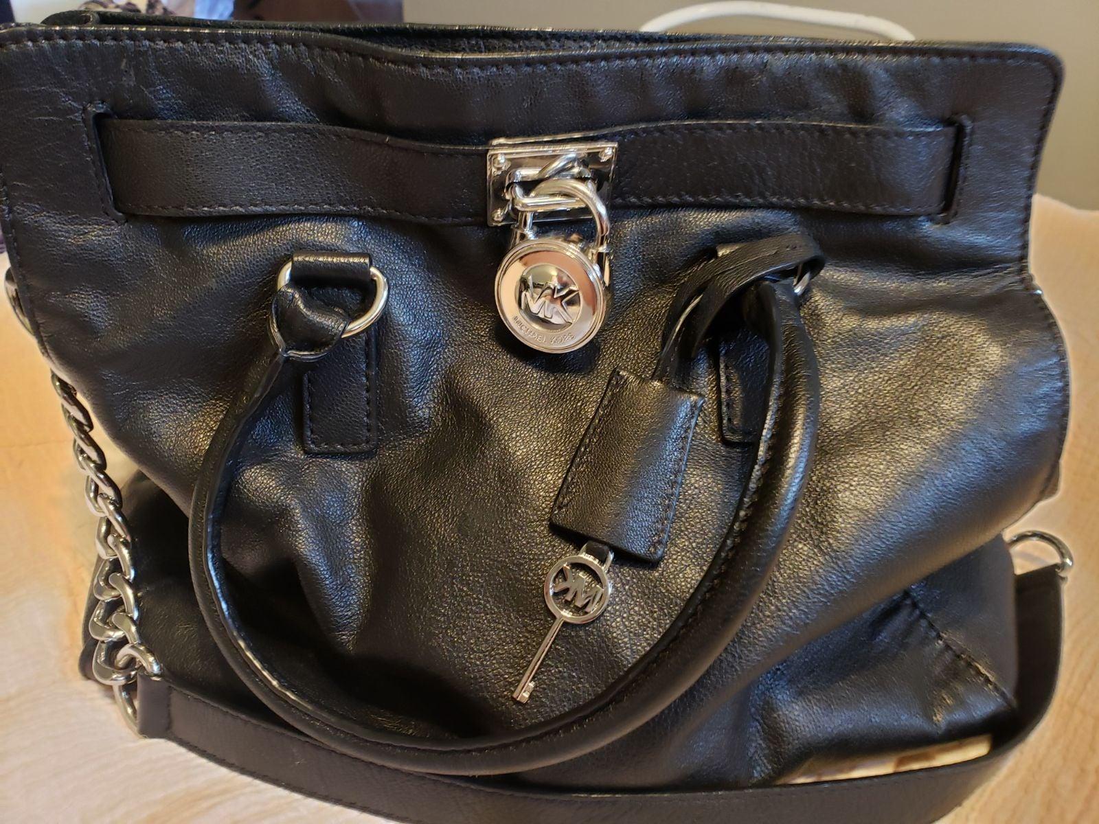 EUC! Michael Kors XL Leather Shoulder Ba