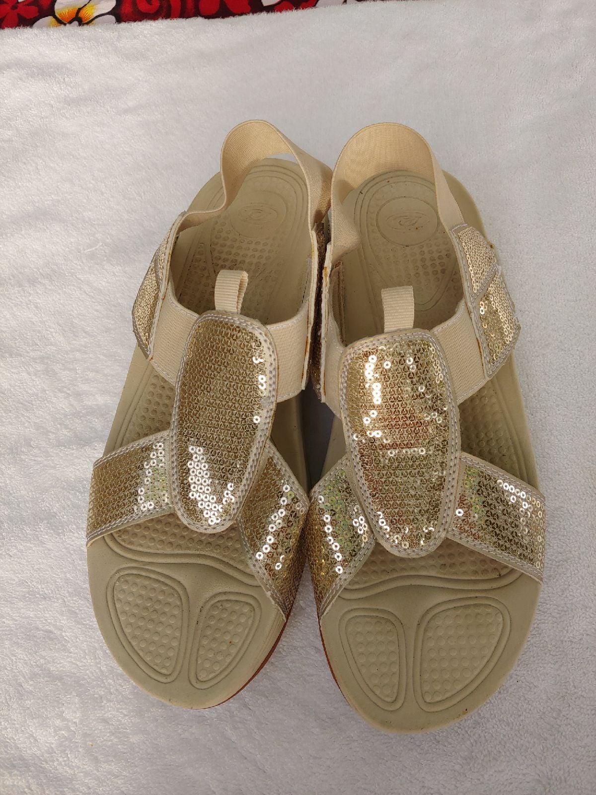 Easy Spirit Gold Sequin Beige Sandals 10