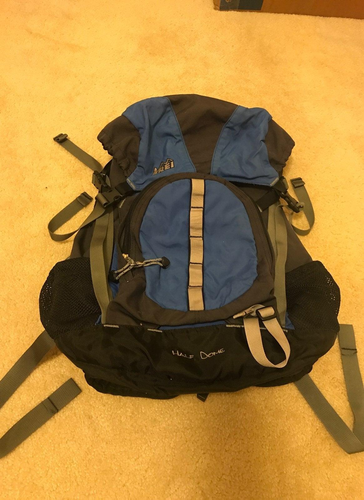REI Half Dome Hiking Backpack Sz Medium