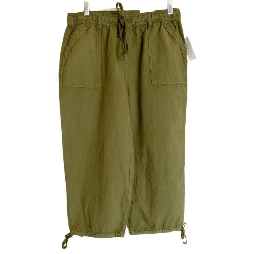 NWT Karen Scott Olive Green Capri Pants