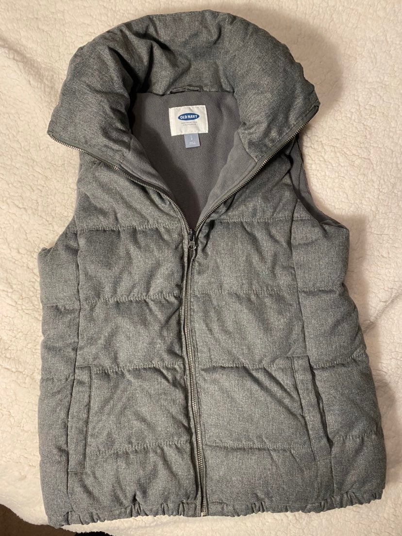 Old Navy Puffer Vest Grey size Small