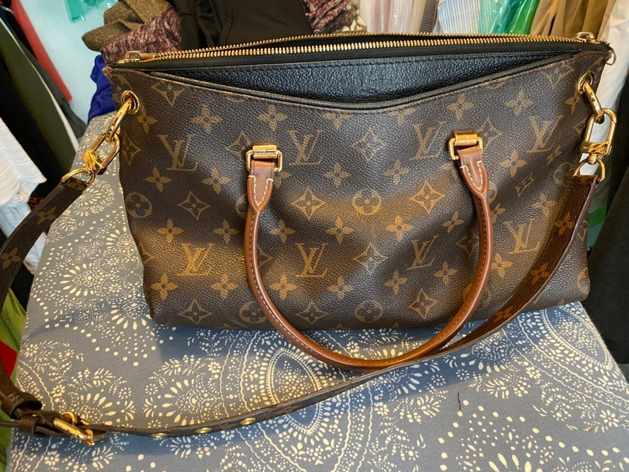 Louis Vuitton Pallas Monogram MM