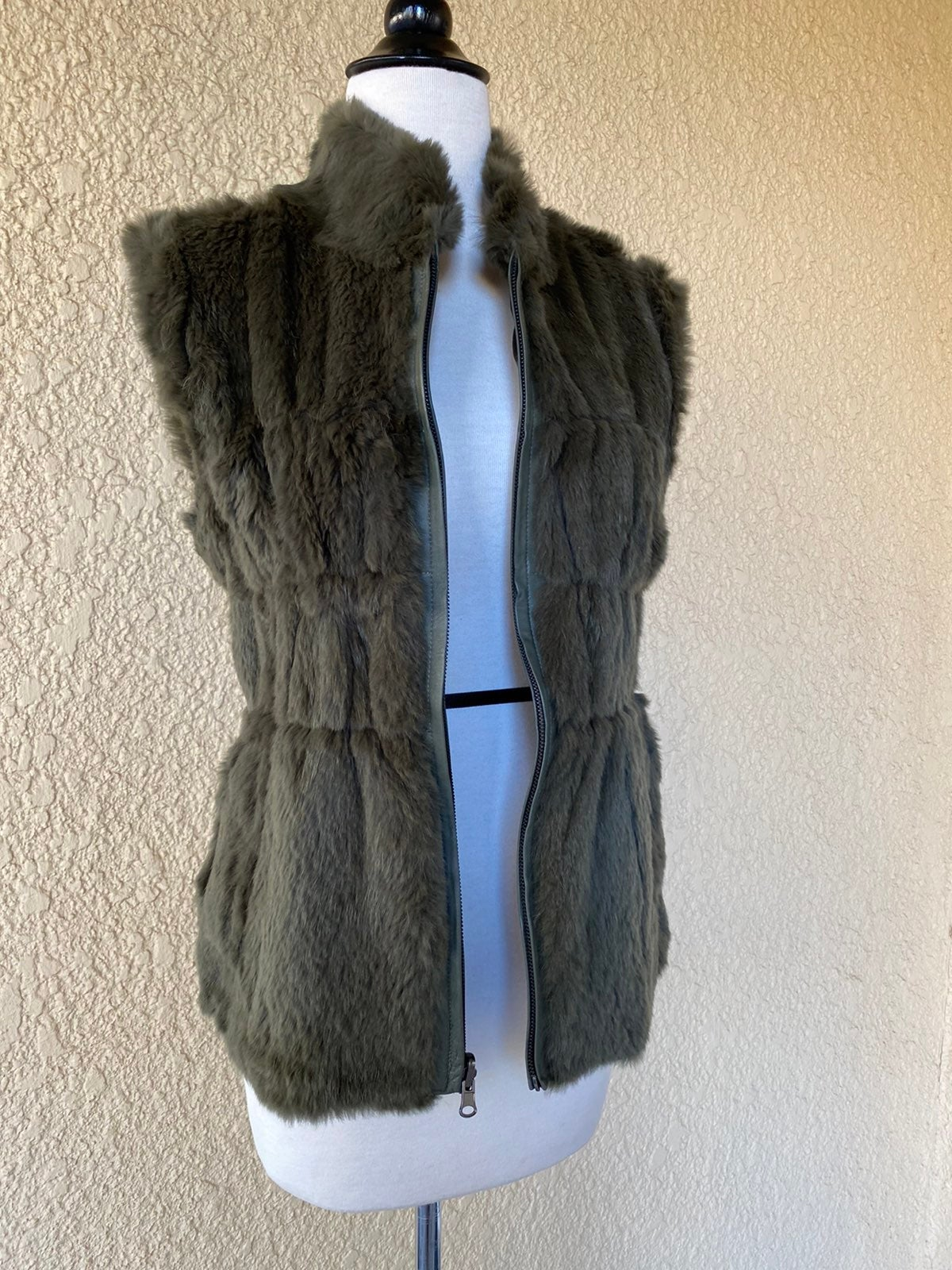 Love Token Reversible Rabbit Fur Vest M
